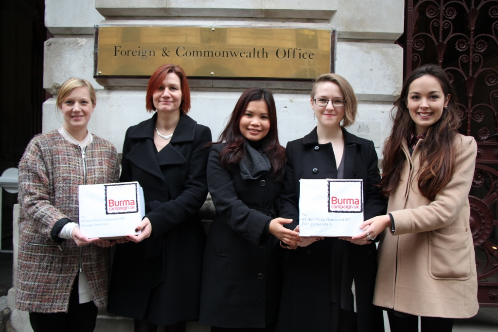 Burma Campaign UK deliver 2,000 postcards to British Foreign Office cred....jpg